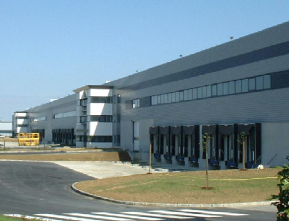 Entrep�t / local industriel Villeneuve Les Bouloc 7473 m2
