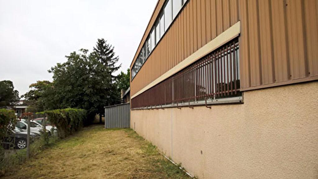 A vendre local d'activité 800 m²  ZI THIBAUD