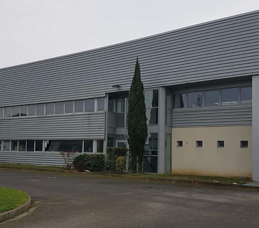 A LOUER 2100 m² entrepôt TOULOUSE SUD OUEST