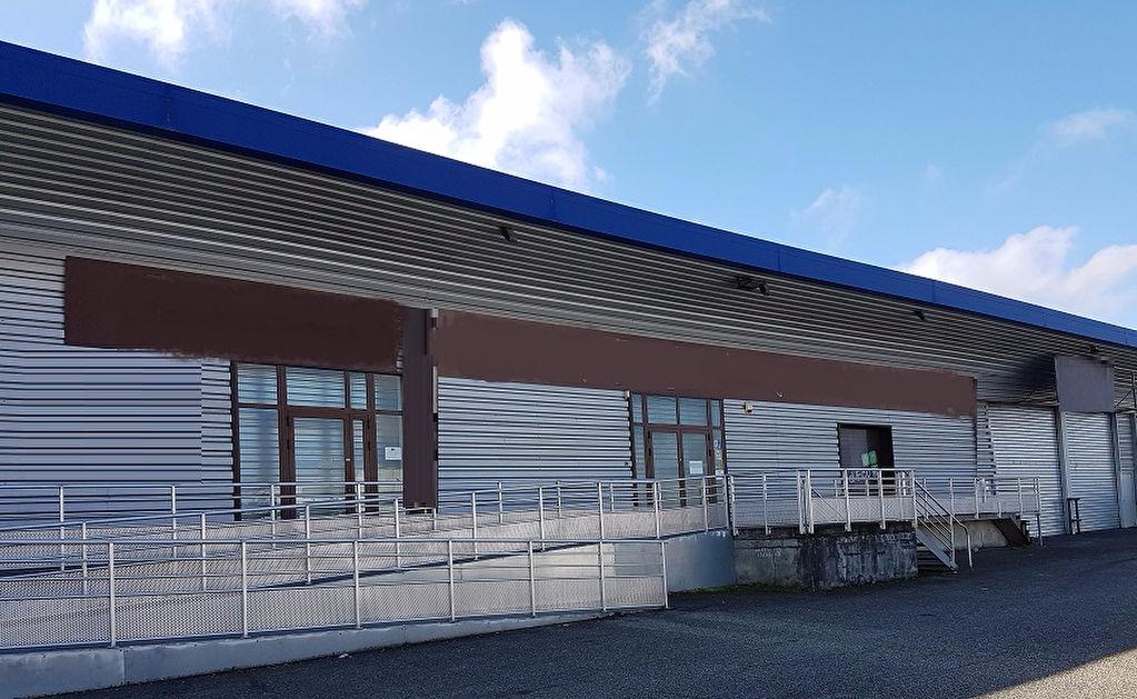A LOUER Local d'activité ou commercial 460 m²  ZI LARRIEU