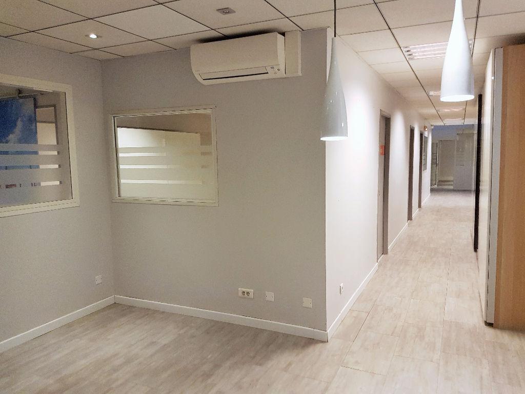 A louer Bureaux Toulouse  - 221 m2 avec vitrine