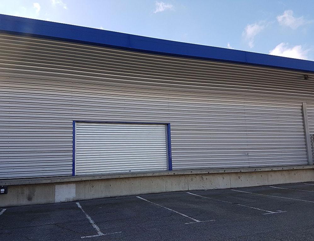 Local d'activité ou commercial 675 m² ZI LARRIEU