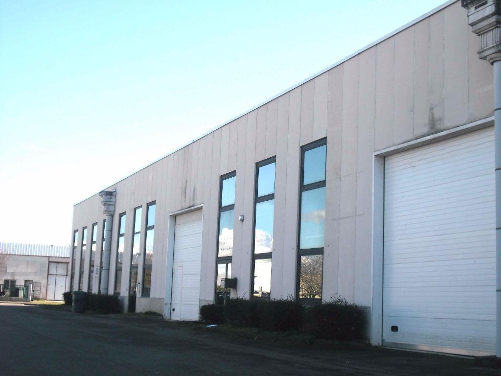 A VENDRE Local d'activité 380 m² TOULOUSE SUD OUEST