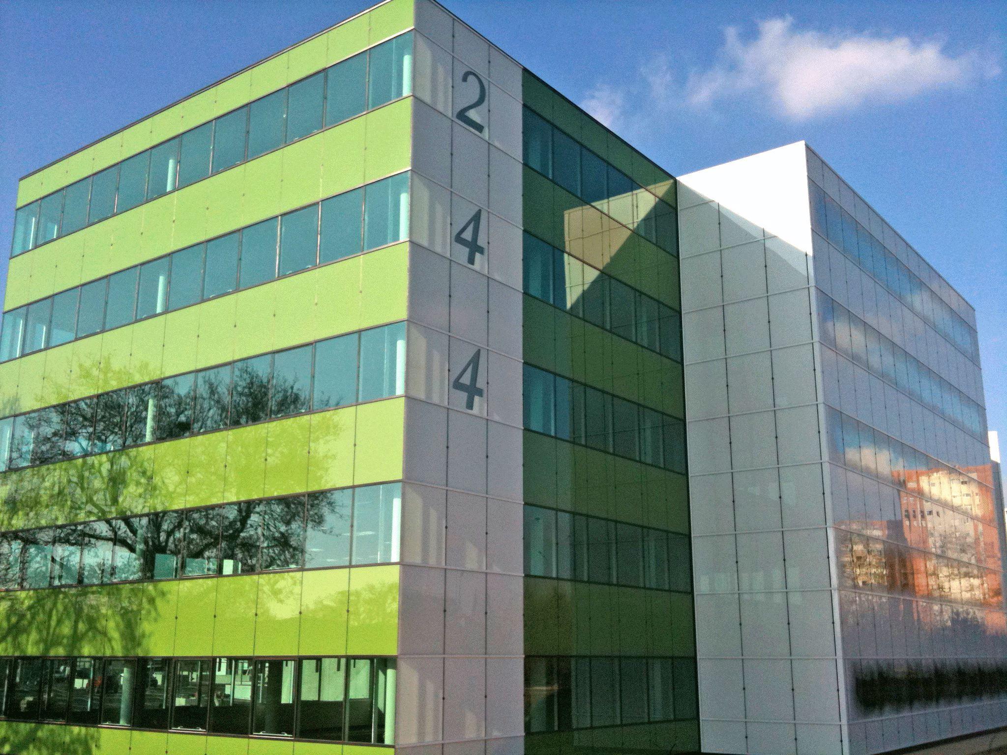 Bureaux neufs de grand standing � Louer - ZFU