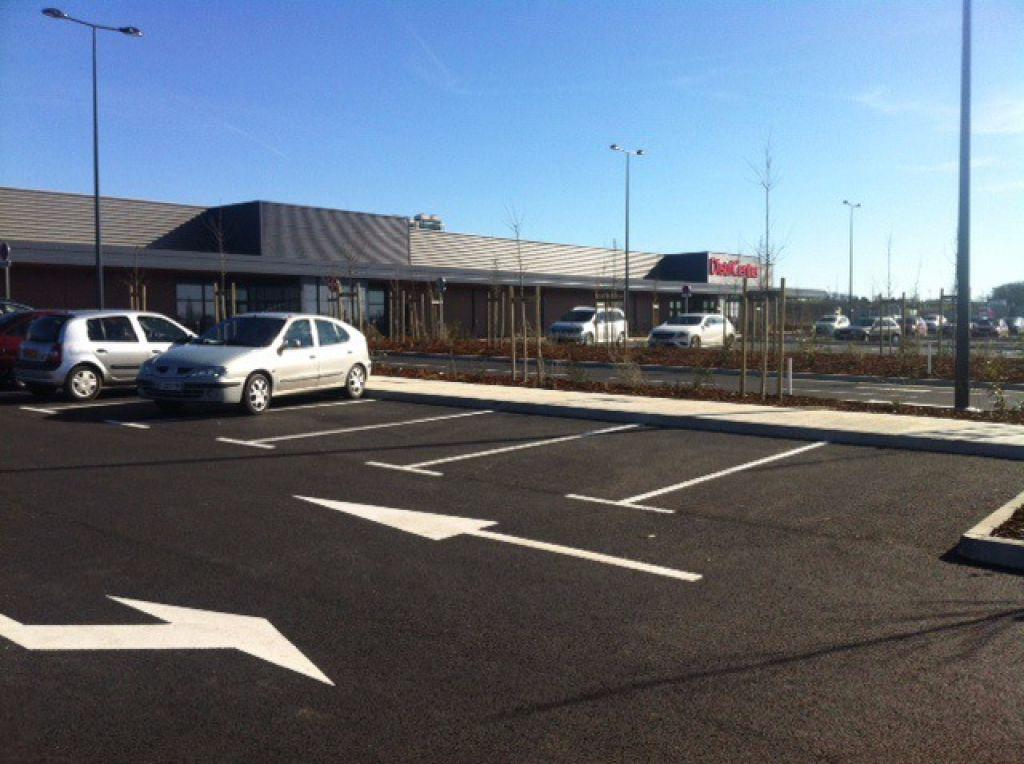 Local commercial L'Isle Jourdain 1855 m2