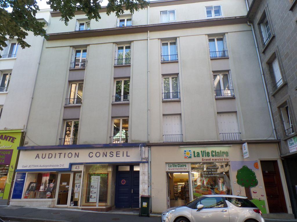 A vendre à Brest plateaux de bureaux de 142 m² sur 2 niveaux - Locataires en place