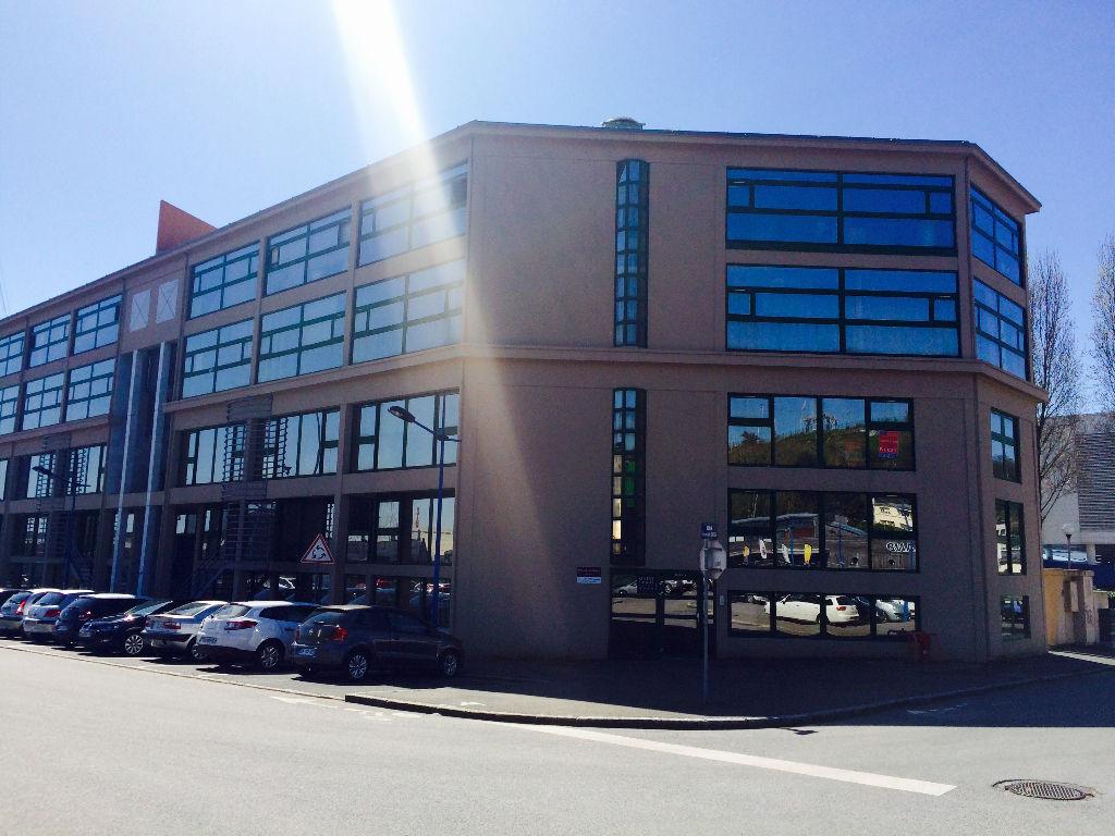 Location bureaux 215, 49 m² - Immeuble Quai 5