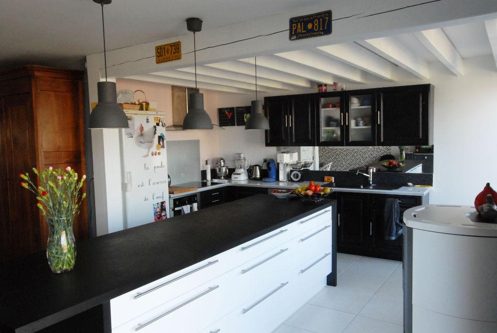 LA MONTAGNE  PLEIN BOURG, MAISON  160 m²