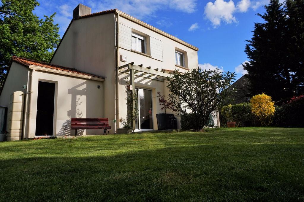 Maison Bouguenais  3 Chb + Bureau
