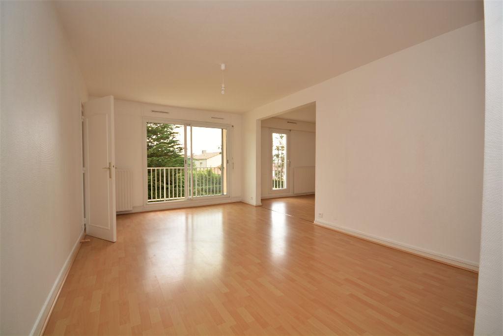 Appartement T5 de 101m2 trois chambres exposé plein sud