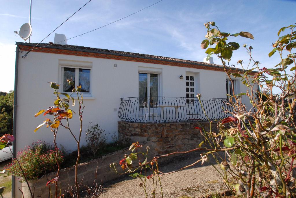 ST JEAN DE BOISEAU, PLEIN BOURG, TRADITIONNELLE 3/4CH + 1111m² de terrain