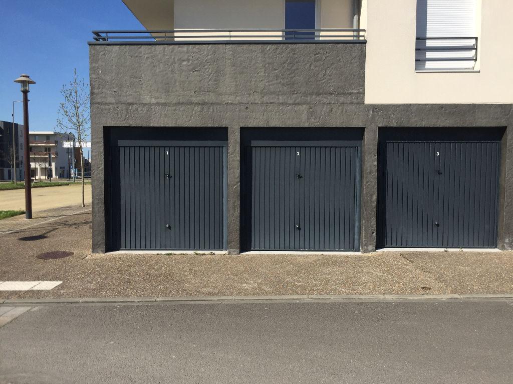 Double box  de 24.40 m2 44340 BOUGUENAIS-GRANDE OUCHE