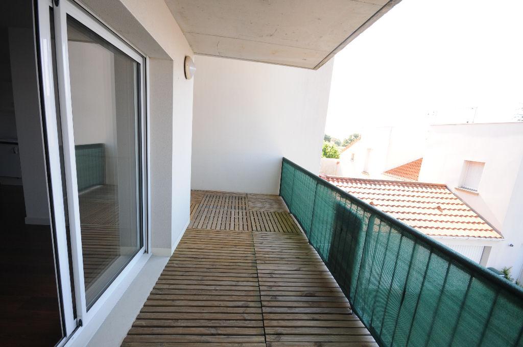 Appartement Port Saint Pere 3 pièce(s)