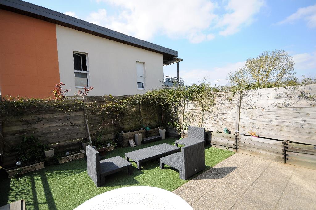 Les Couëts - Appartement T3 avec terrasse/jardinet de 26m2 exposée sud-ouest !!