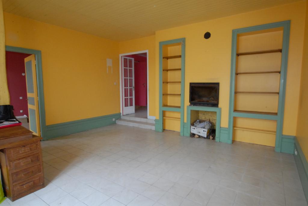 LE PELLERIN BOURG, maison/appartement en pierre, 3 chambres possibilité 4