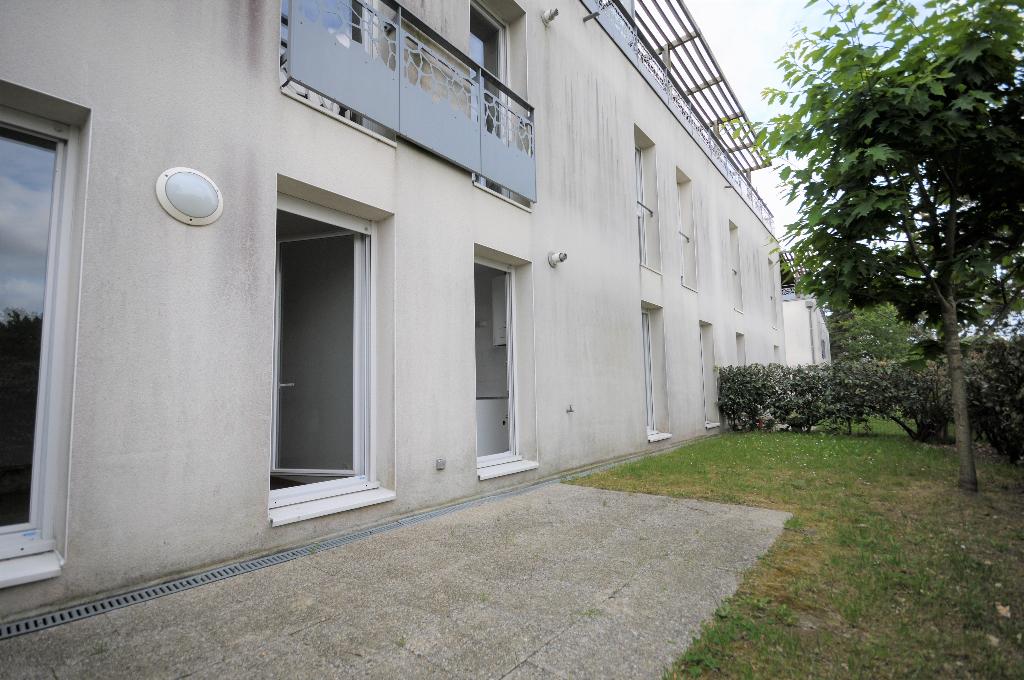 Les Couëts - Appartement T3 avec terrasse et jardinet de 40m2 proche tramway !!