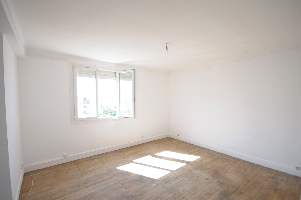 Exclusivité Nantes Saint Jacques - Appartement T4 à rénover avec potentiel