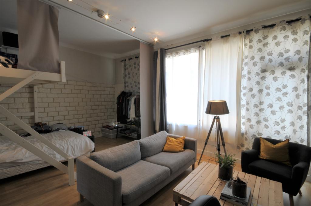 Appartement Nantes Cambronne en rez-de-chaussée d'environ 46m2.