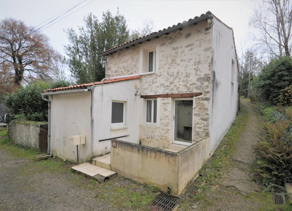 BOUGUENAIS - Maison Atypique - Secteur La Roche Ballue