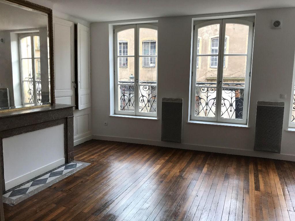 appartement a louer 57000 metz 2 pi ces 50 m. Black Bedroom Furniture Sets. Home Design Ideas