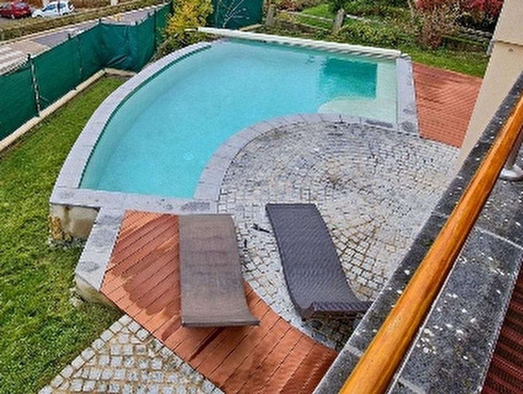 Maison a vendre 57280 sous compromis 7 pi ces 188 m for Piscine seremange