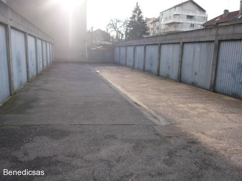 Location de garage à Metz
