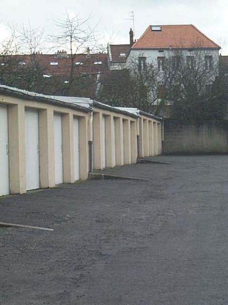 Garage à louer Montigny les Metz