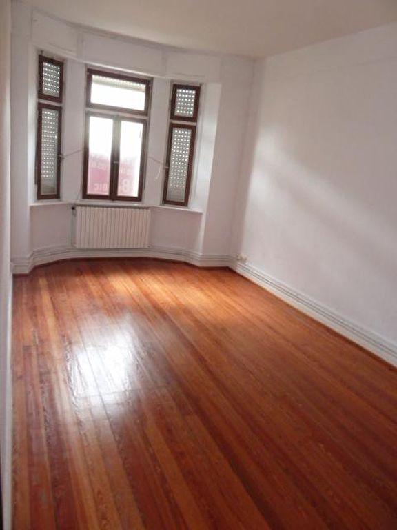 appartement a louer 57000 metz 4 pi ces 91 7 m. Black Bedroom Furniture Sets. Home Design Ideas