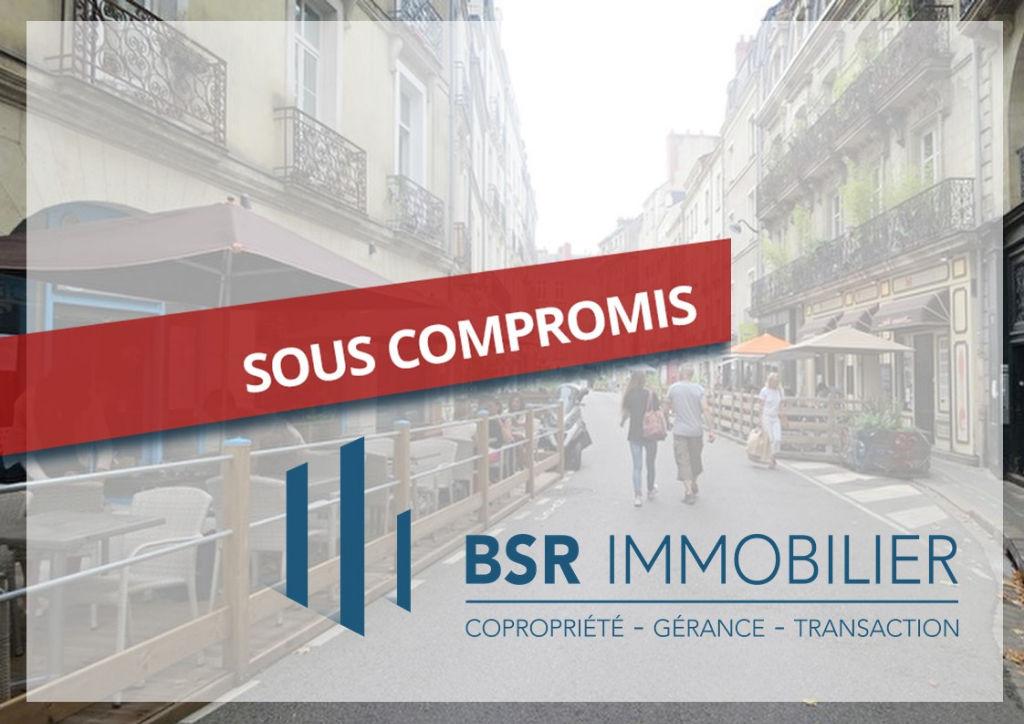 SOUS-COMPROMIS! Nantes Hotel de Ville-Préfecture  appartement 2 pièces à  finir de rénover