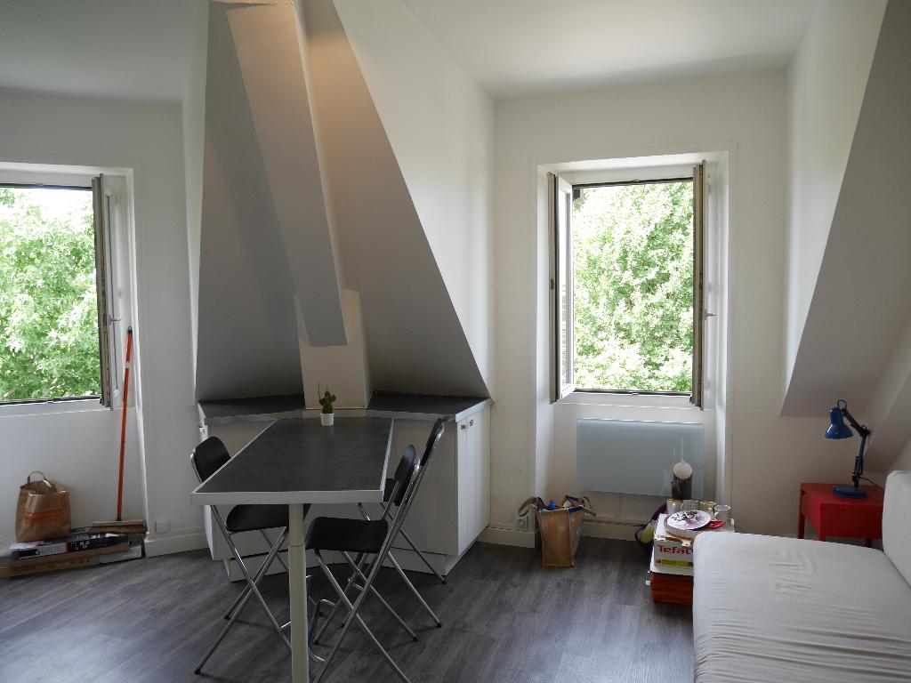 Studio meublé lumineux proximité CHU-République