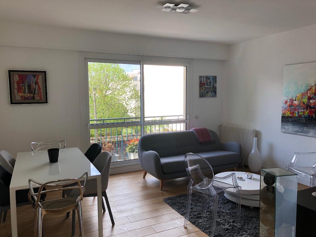 NOUVEAU! Appartement 3 pièces rénové Monselet avec parking