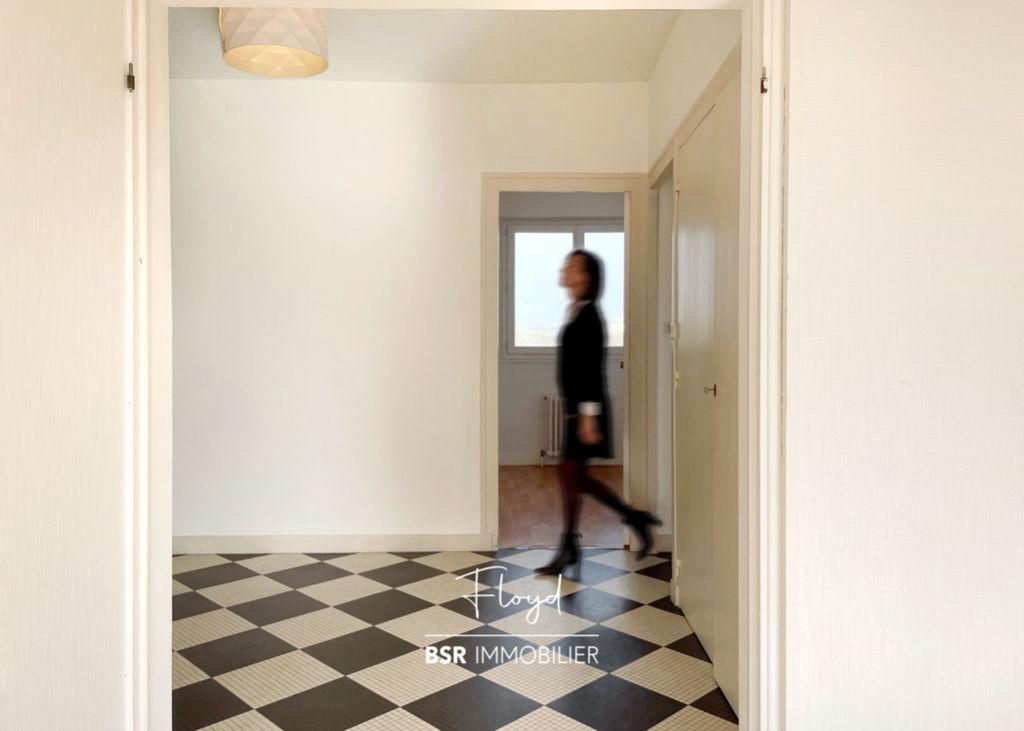 """BSR immobilier présente """"FLOYD"""" - Dernier étage avec balcon"""