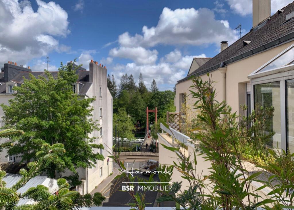 Dernier étage avec double terrasse
