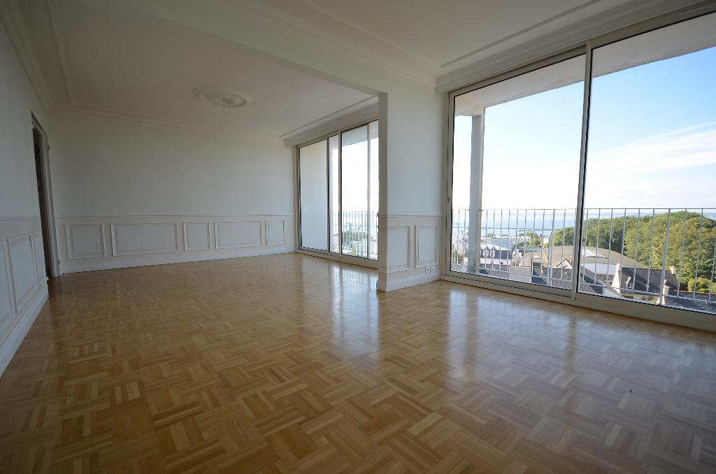 BREST KERBONNE - Très beau T5 vue rade de 84m²  avec ascenseur et parking