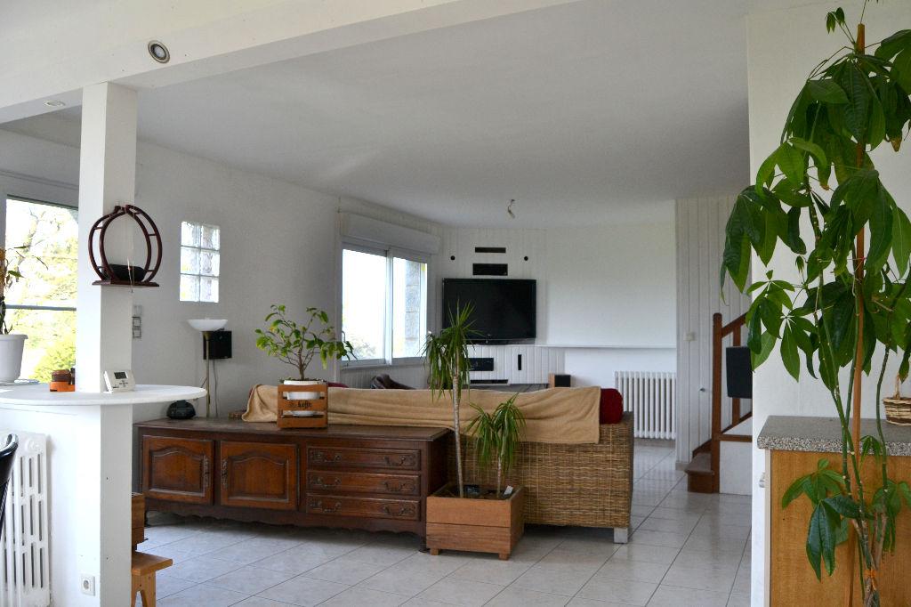 PORSPODER - Maison + Hangar sur 4458 m²