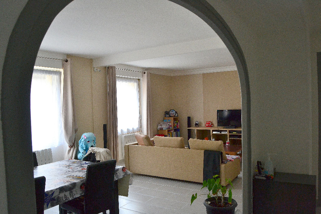 PLOUDALMEZEAU - Centre Bourg T3