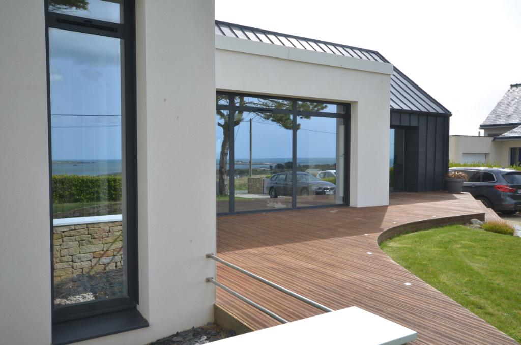 Exceptionnelle maison d'architecte vue mer
