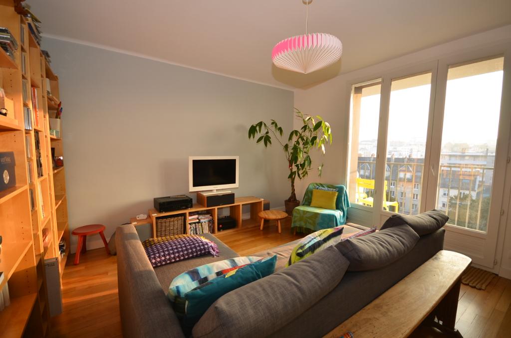 Le Landais, appartement T5 de 86 m² au dernier étage proche tram