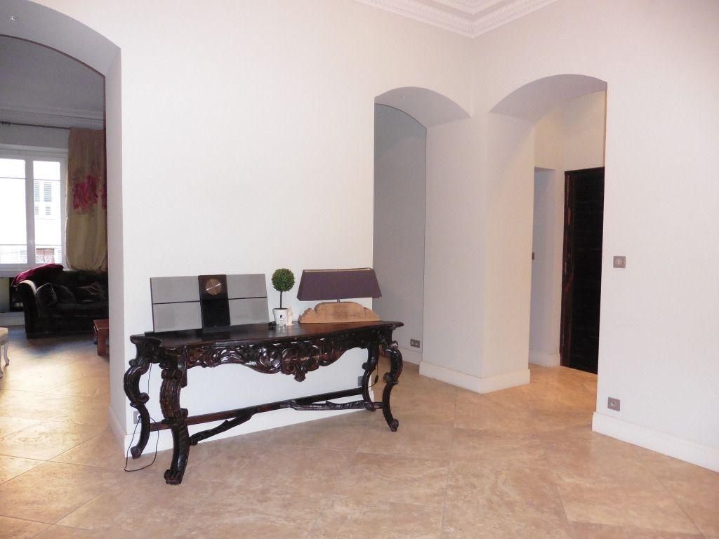Appartement Cours Napoléon somptueux F4  avec grande terrasse