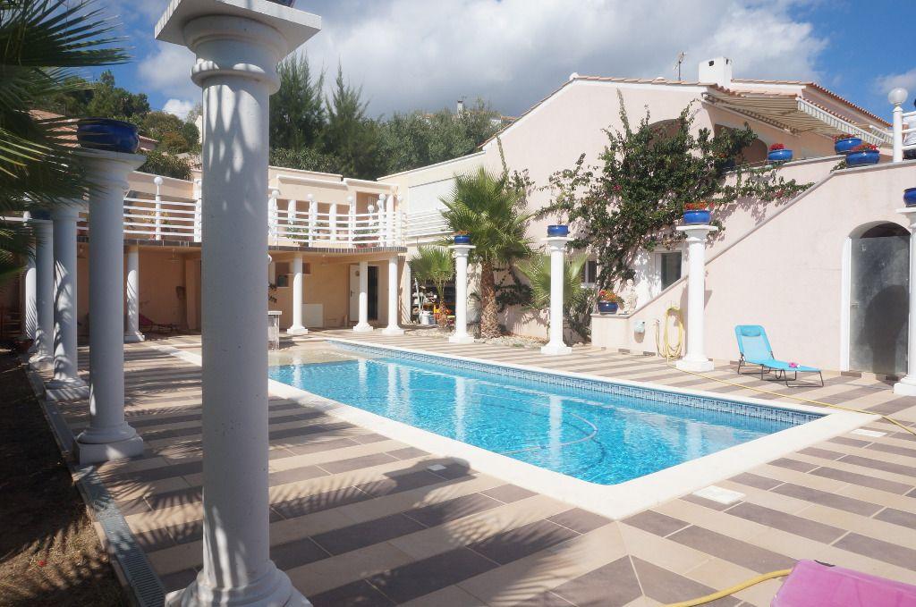 Proche de Bastia demeure de presiges  vue mer 10 pièce(s) 550 m2 avec piscine