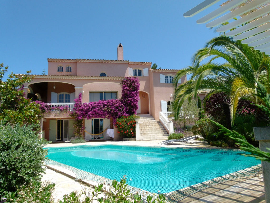 Bastelicaccia  centre Demeure de prestige  7 pièce(s) 270 m2  avec piscine