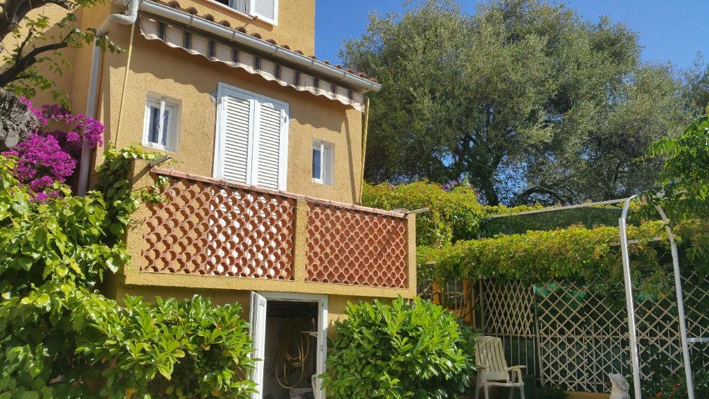 Ajaccio secteur prisé Maison de ville  4 pièce(s) 95 m2 avec jardin