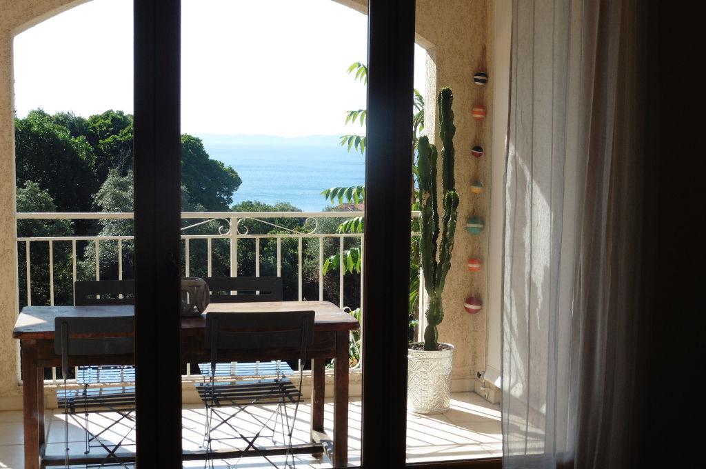 Ajaccio Sanguinaires Maison duplex  avec garage et vue sur mer