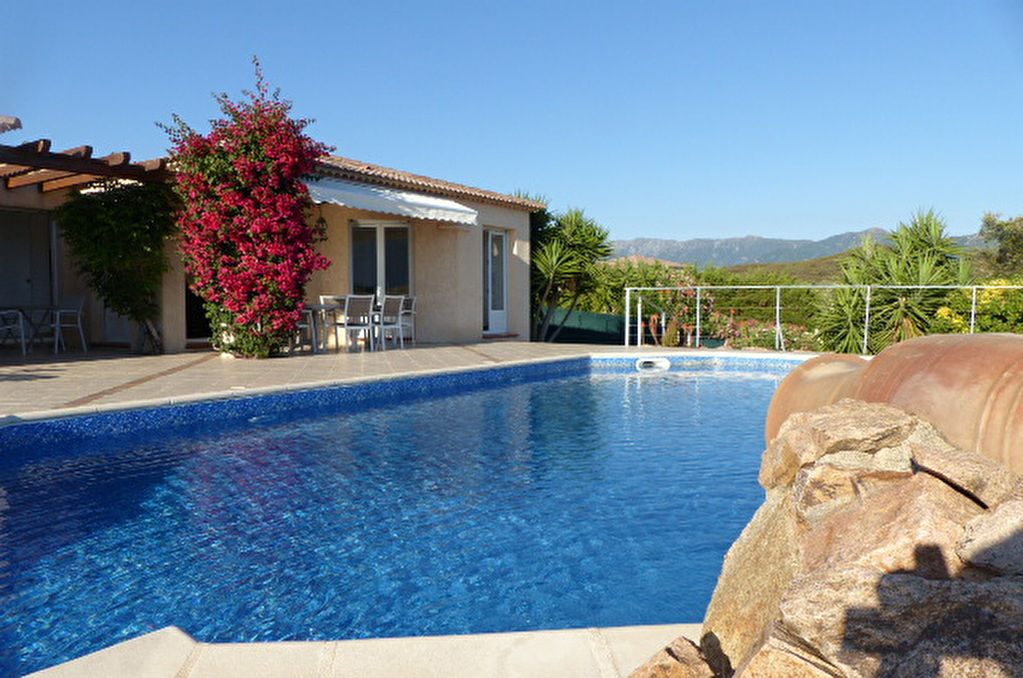 AFA charmante Villa F4  de plain pied avec piscine