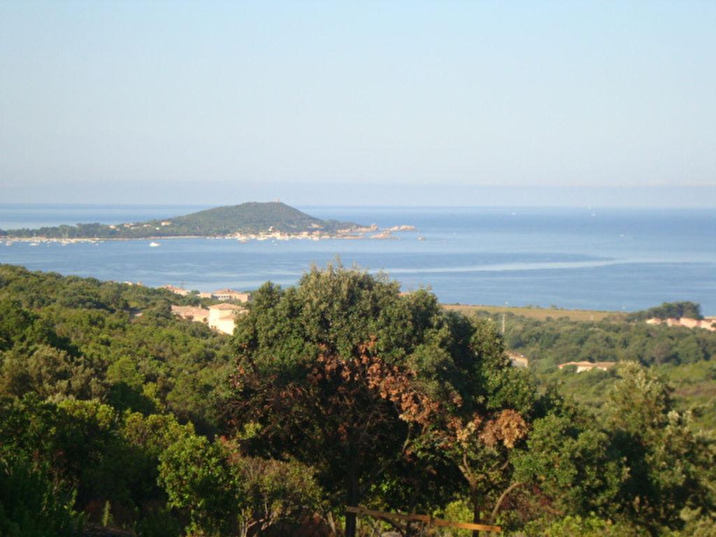Terrain constructible rive sud  vue mer et montagne