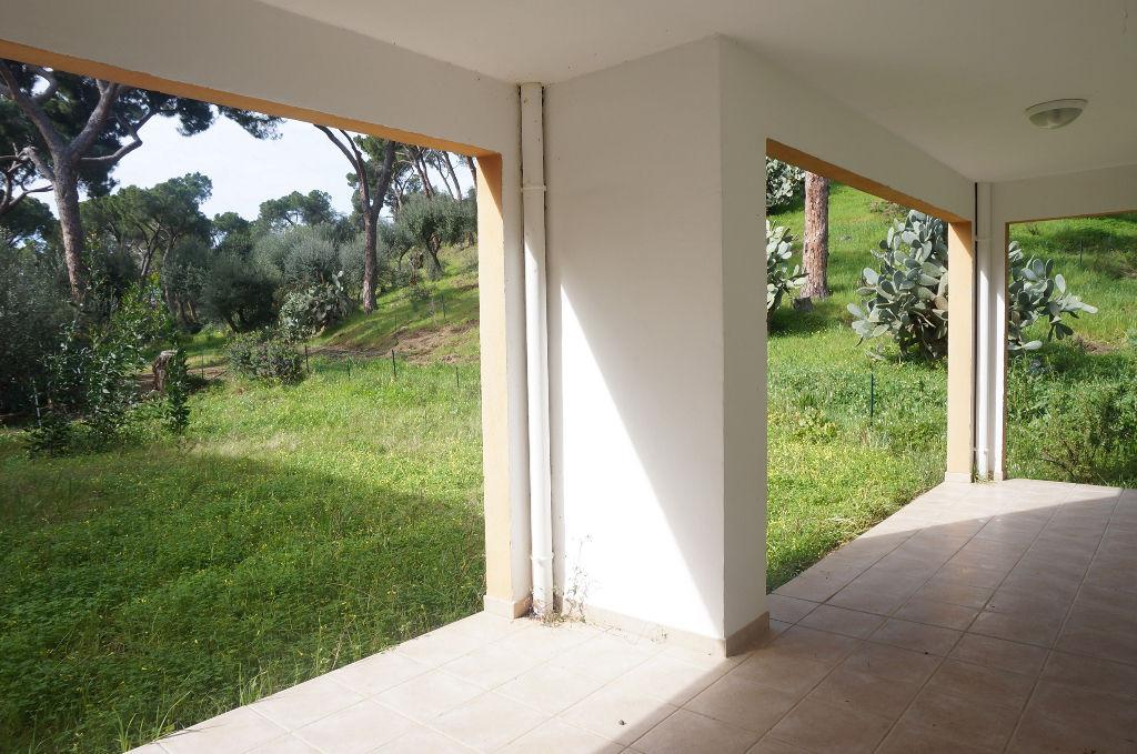 Appartement Sanguinaires 4 pièce(s) 118 m2 avec grand jardin bord de mer
