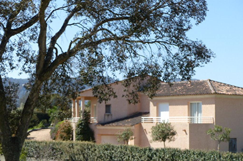 Villa  5 pièce(s) 180 m2