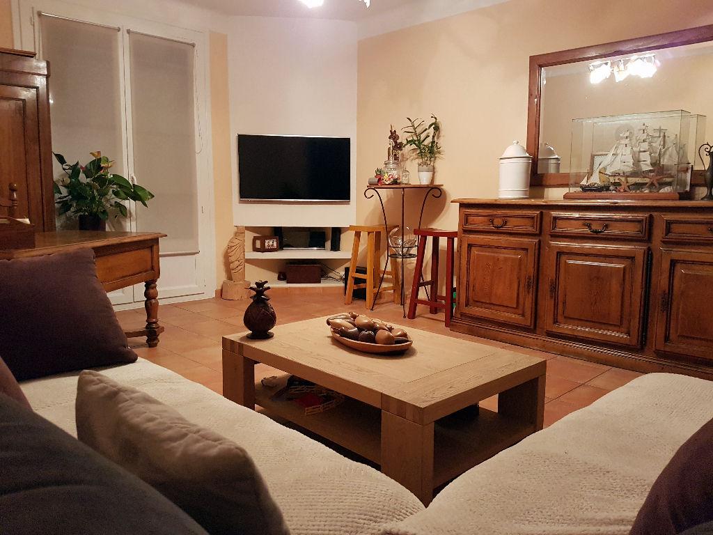 Ajaccio appartement  4 pièce(s)  traversant 102 m2  proche commerces