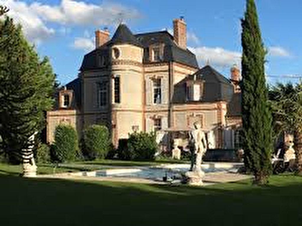 Somptueux château Napoléon 3  14 pièce(s) 475 m2 entièrement restauré