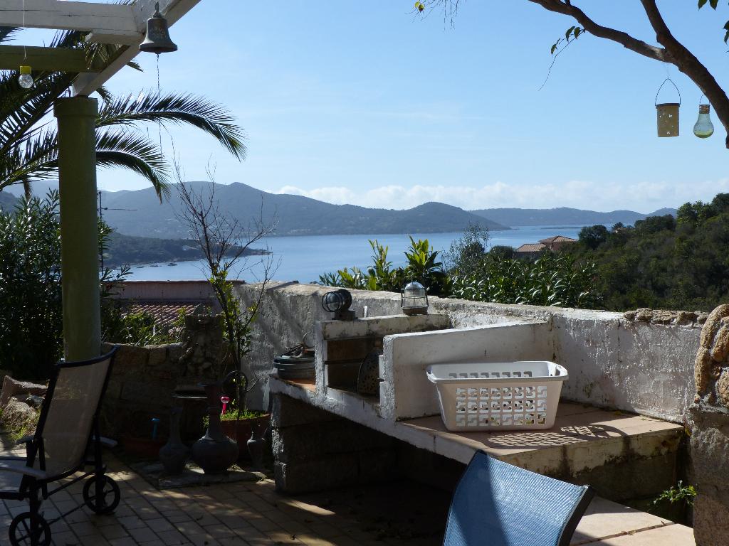 Villa Albitreccia  Rive Sud 7 pièce(s) 200 m2 sur 2 niveaux vue sur mer